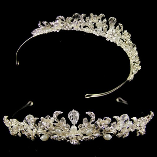Veronika Pearl & Crystal Wedding Tiara (Silver/White)