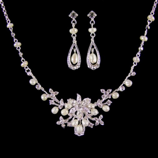 Florence Pearl Bridal Necklace Set (Silver/Ivory)