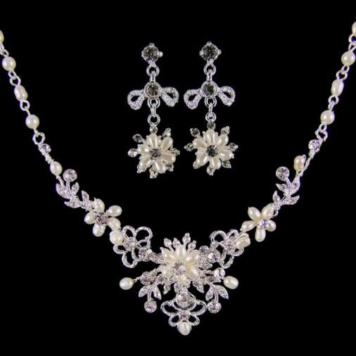 Emma Pearl Bridal Necklace Set (Silver)