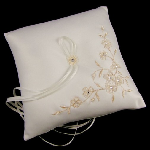 Francesca Ivory & Gold Wedding Ring Cushion