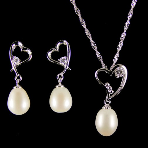 Vanessa Freshwater Pearl Heart Drop Necklace Set