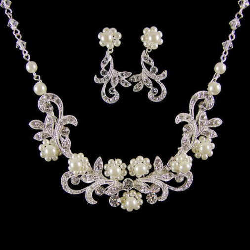 Greta Swarovski Crystal & Pearl Bridal Necklace Set (Silver)
