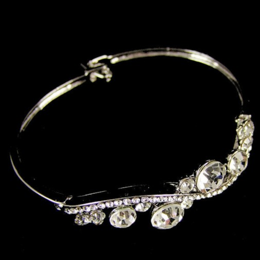 Shona Swarovski Crystal Bangle (Silver)