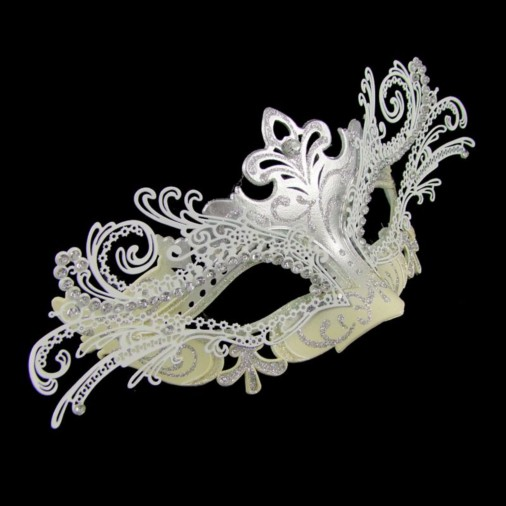 Luxury Mask with Filigree Silver/Cream